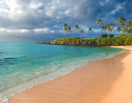 https://pixabay.com/photos/beach-ocean-sea-travel-water-sky-4797706/